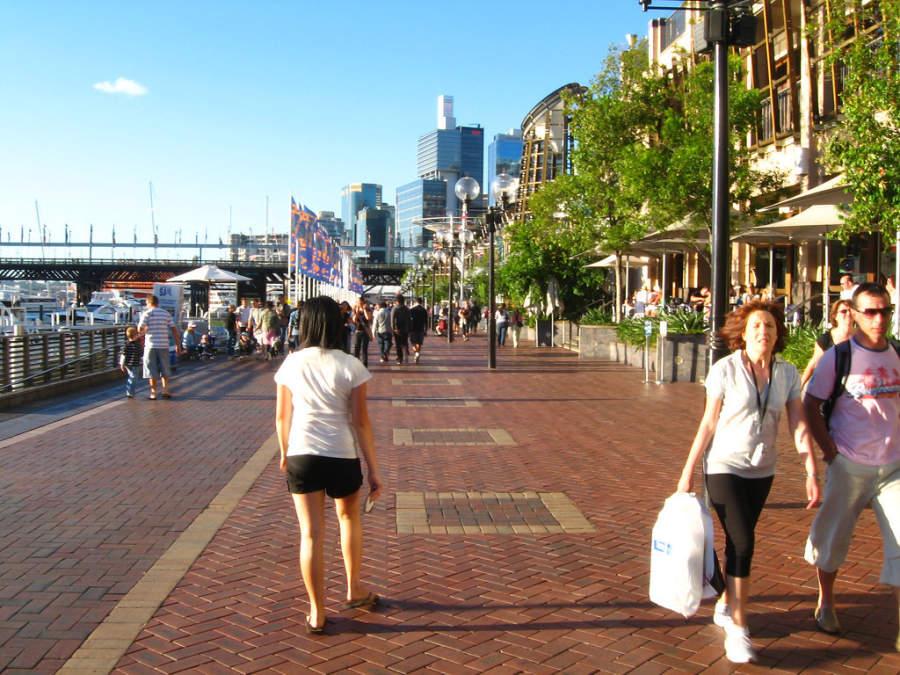 Darling Harbour, área peatonal y de entretenimiento en Sídney