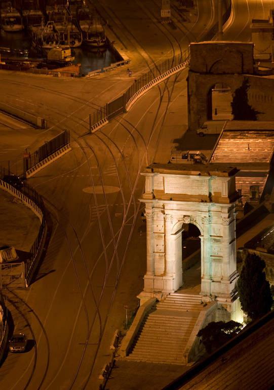 Arco di Traiano, famoso monumento en Ancona