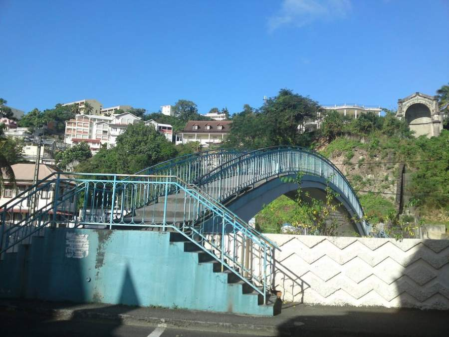 Puente sobre el canal de Gueydon Levassor