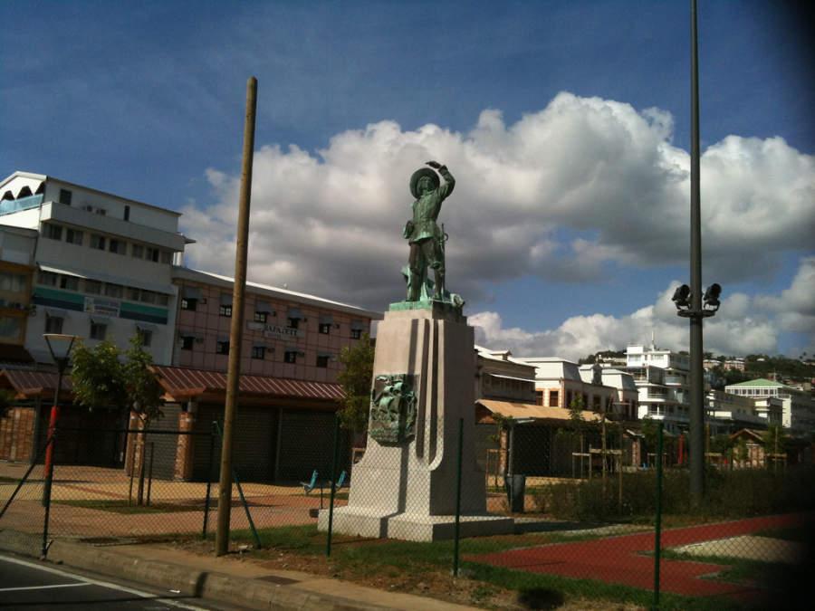 Estatua de Pierre Belain d'Esnambuc