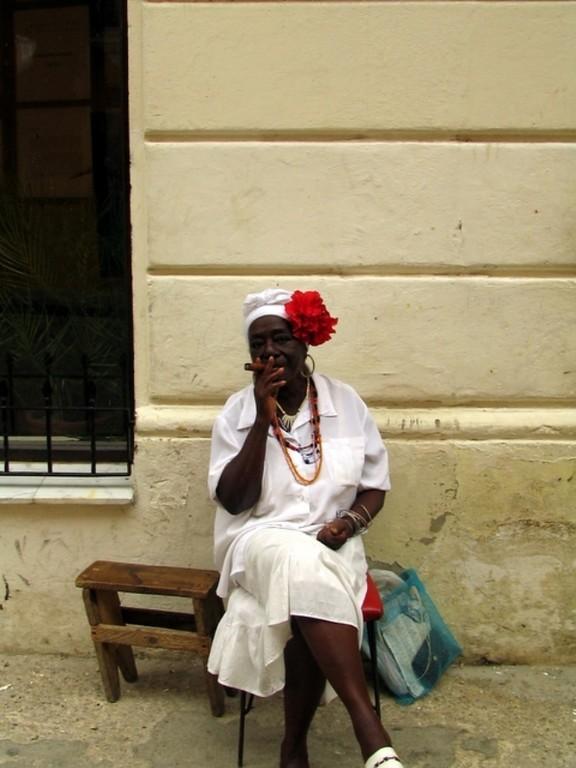 Señora cubana en La Habana
