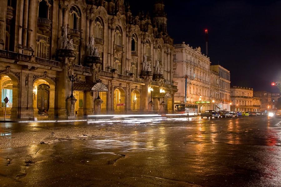 Paseo del Prado de noche