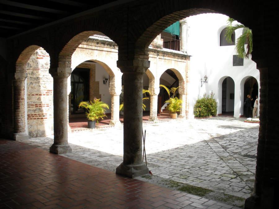 Palacio Arzobispal en la Zona Colonial de Santo Domingo