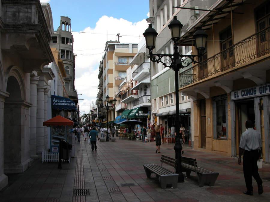 Calle del Conde cuenta con variedad de tiendas