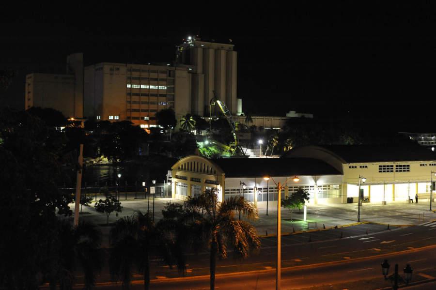 El puerto de Santo Domingo al anochecer