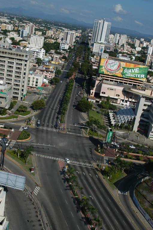 Avenida 27 de Febrero en Santo Domingo
