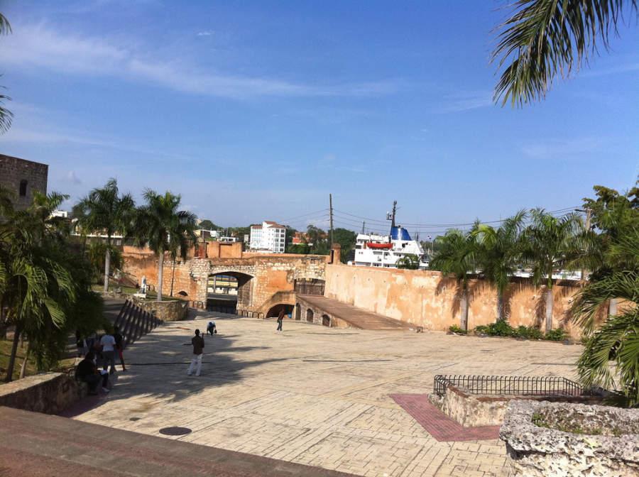 Plaza en la Zona Colonial de Santo Domingo
