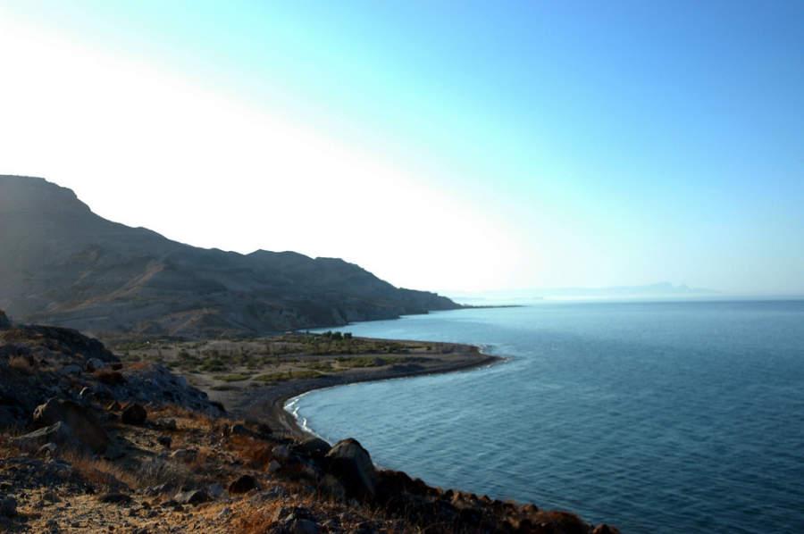 Vista panorámica de La Paz, donde se unen la playa y el desierto