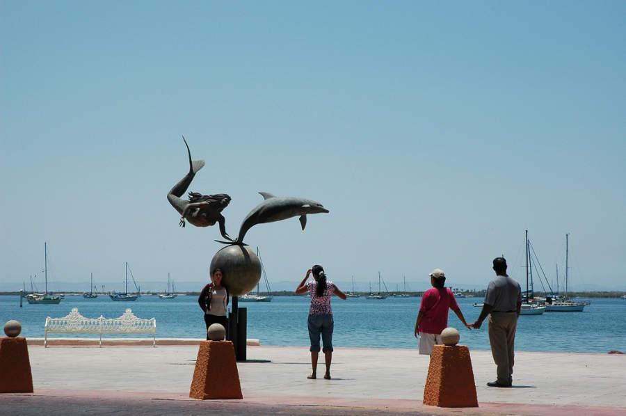 El malecón de La Paz cuenta con varias esculturas