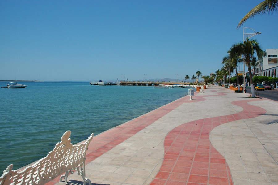 Malecón Álvaro Obregón y muelle de La Paz
