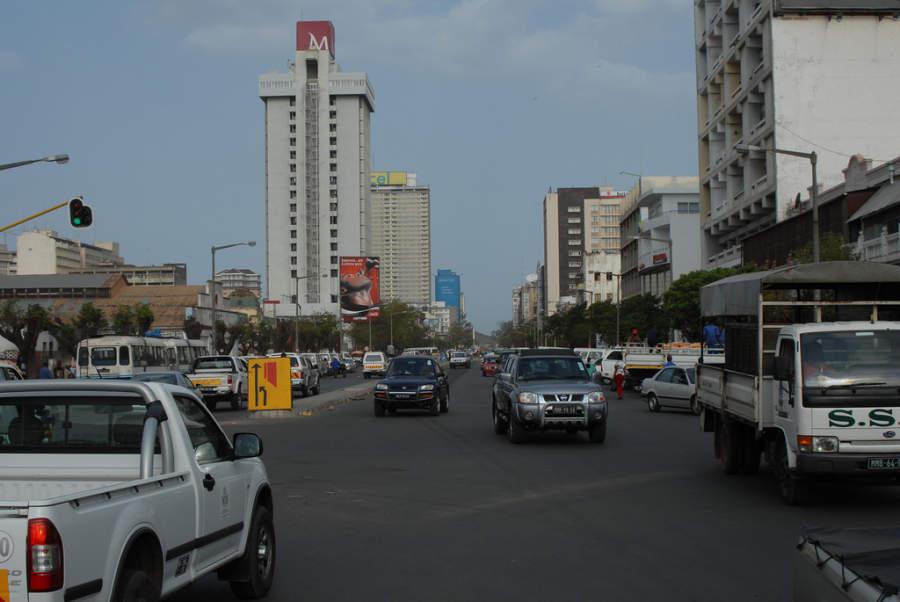 Avenida en la ciudad de Maputo
