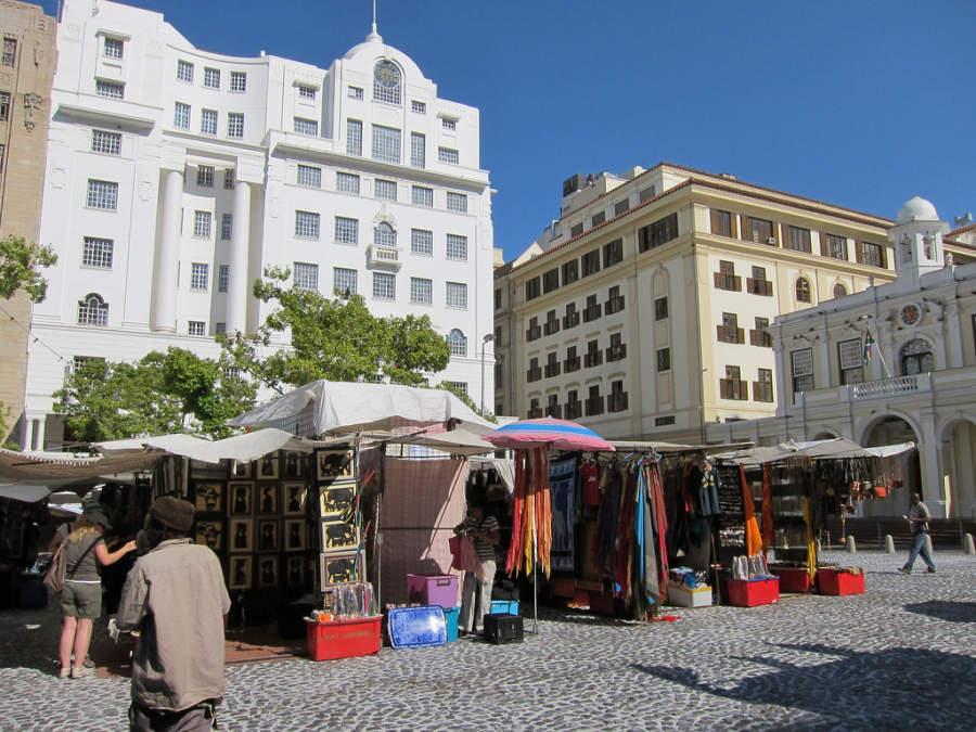 Greenmarket Square, famoso mercado en Ciudad del Cabo