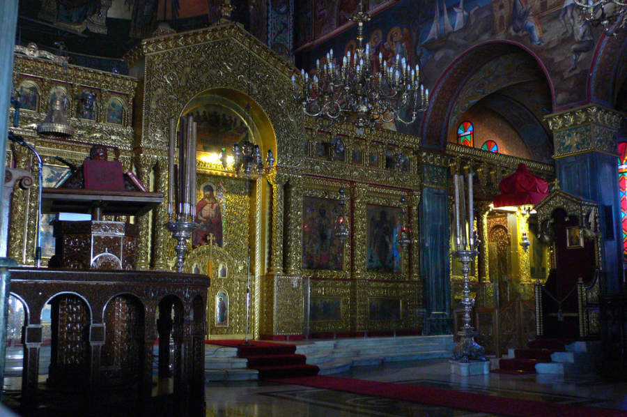 Interior de la Iglesia San Dionisio
