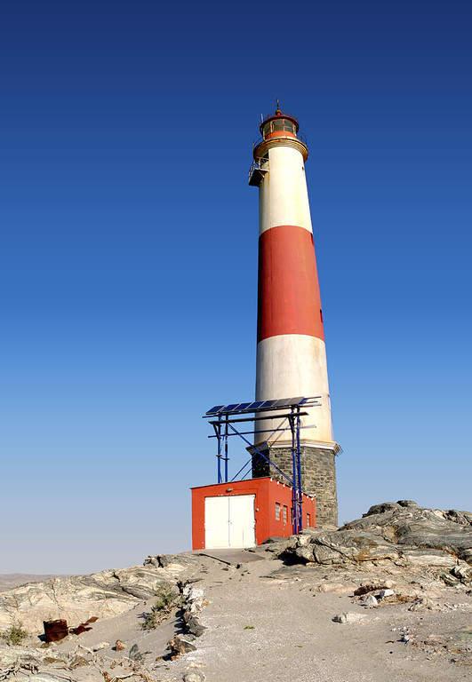 Faro en el antiguo puerto de Lüderitz