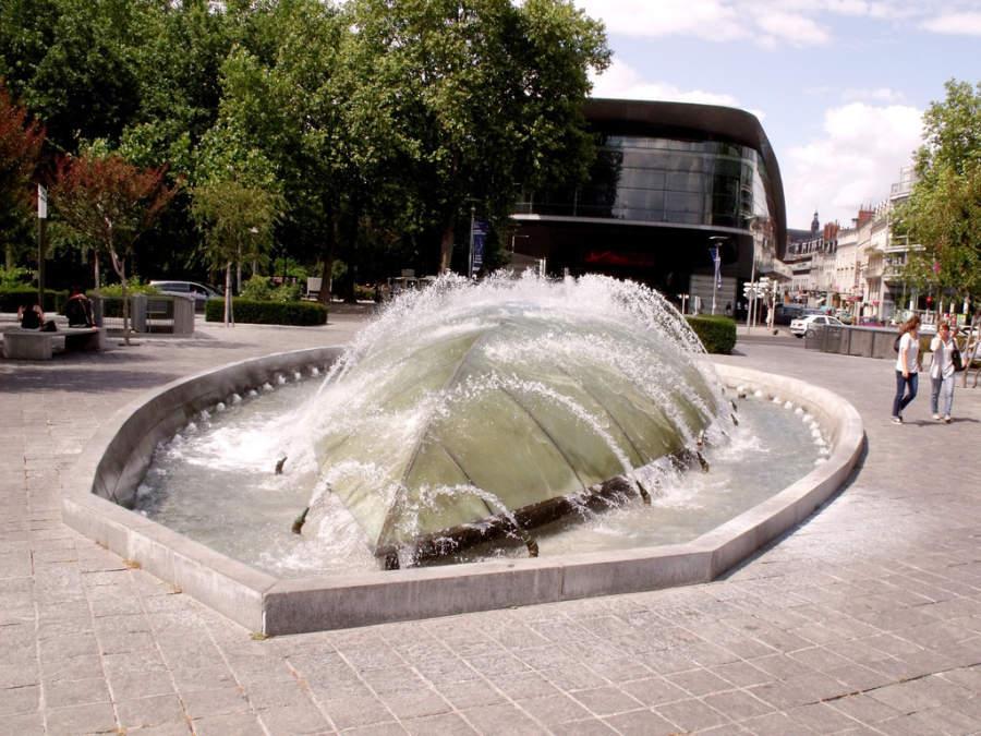 Fuente en Place du General Leclerc
