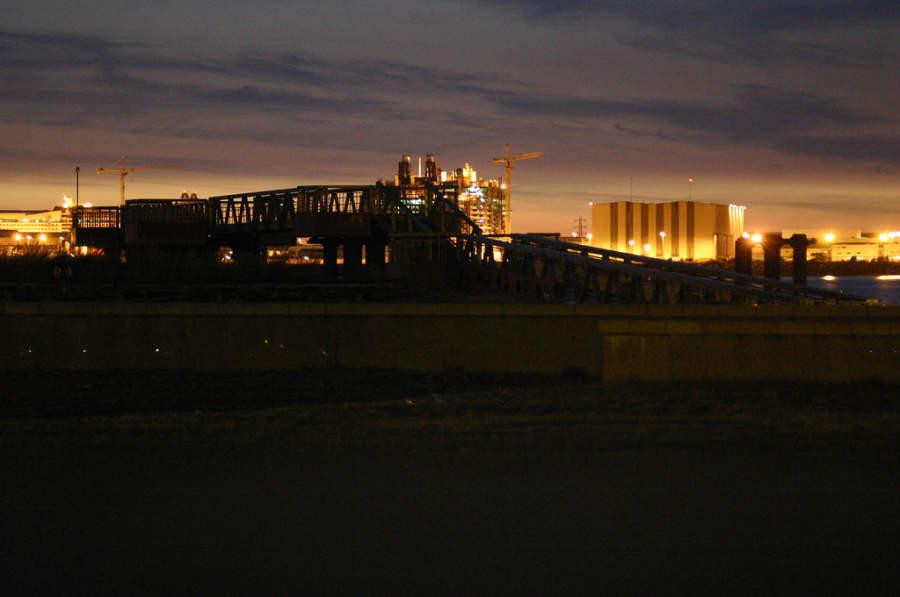 Atardecer en el puerto de Saint-Nazaire