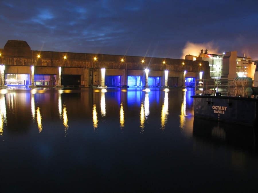Anochecer en la base portuaria de Saint-Nazaire