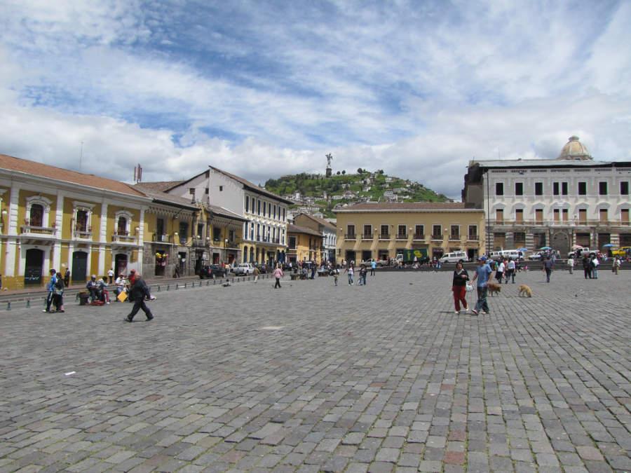 Plaza en el centro histórico de Quito