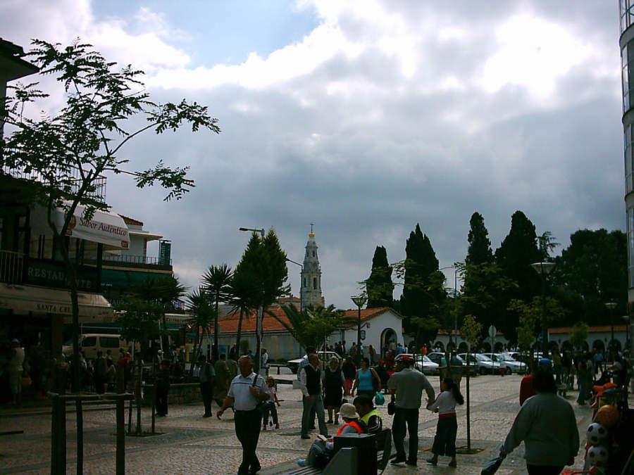 Camina por el centro de Fátima