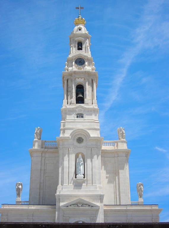 Conoce la Basílica de Nuestra Señora del Rosario en Fátima