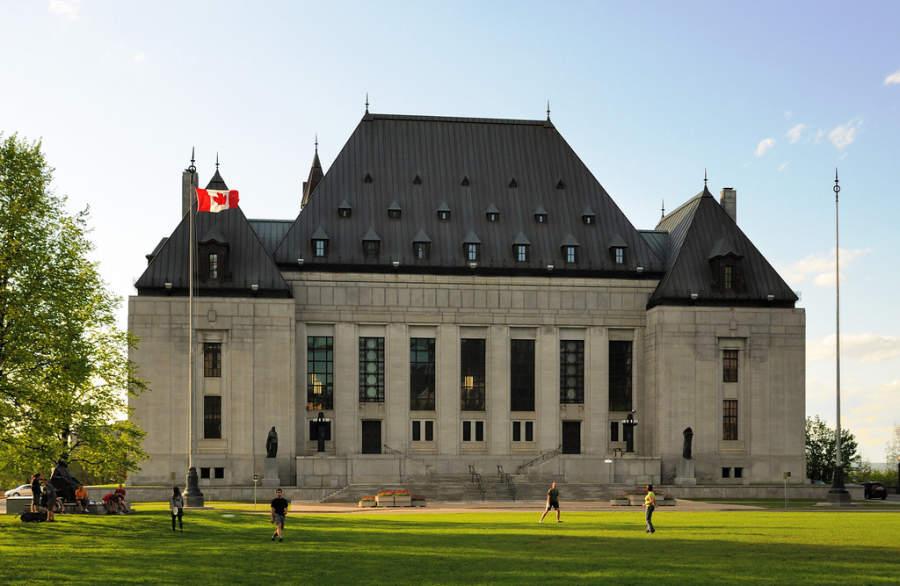 Vista exterior de la Suprema Corte de Justicia en Ottawa