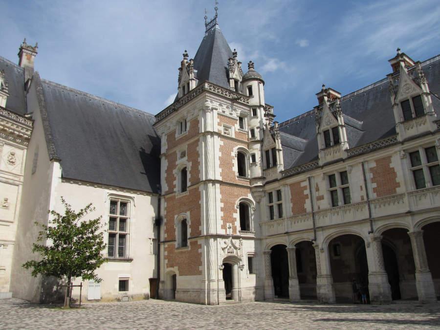 El Castillo Real alberga al Museo de Francia