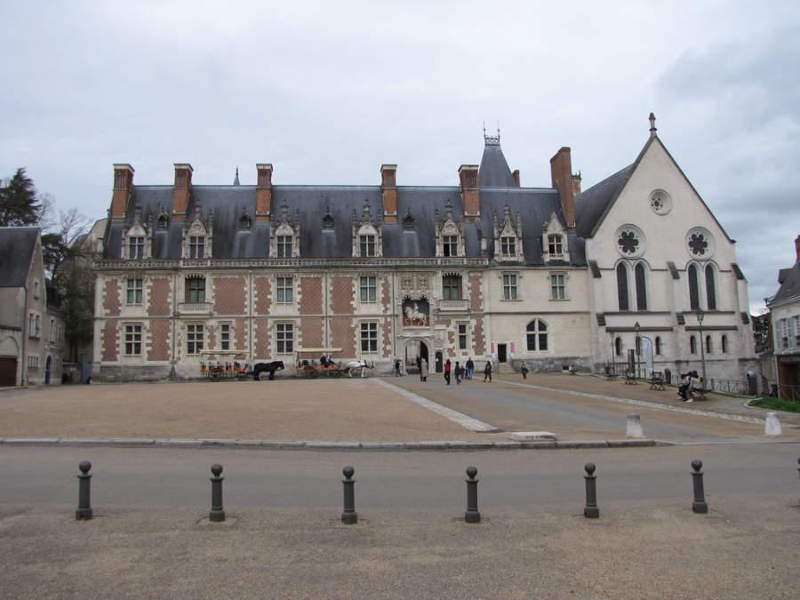 El Castillo Real es un palacio renacentista construido por el rey Luis XII