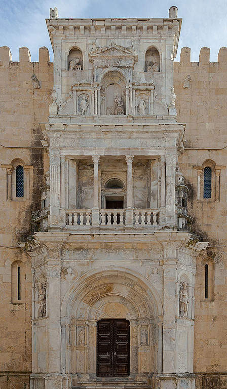 Portal en la Catedral Vieja de Coímbra