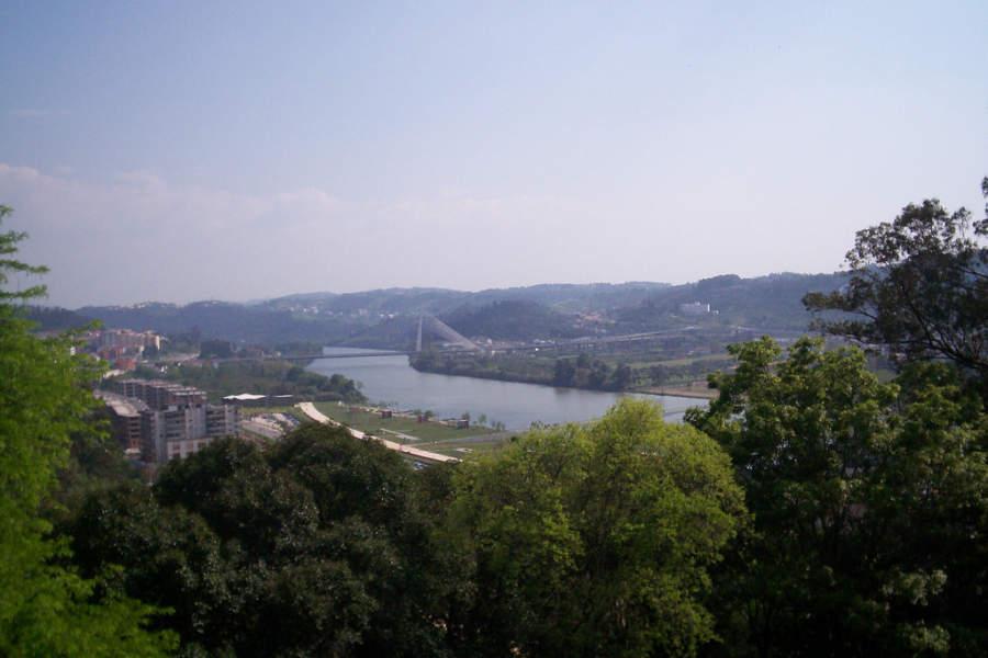 Paisaje del río en Coímbra