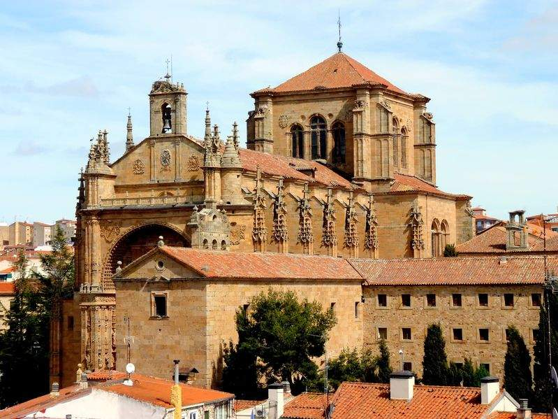 Iglesia y Convento de San Esteban