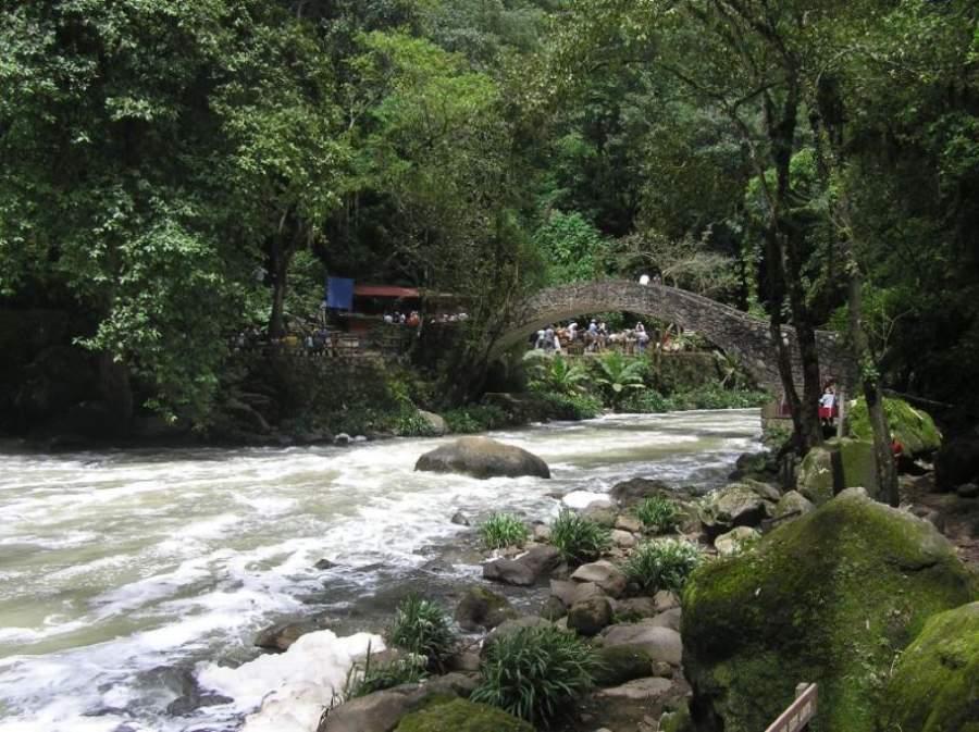 Río Cupatitzio en la ciudad de Uruapan
