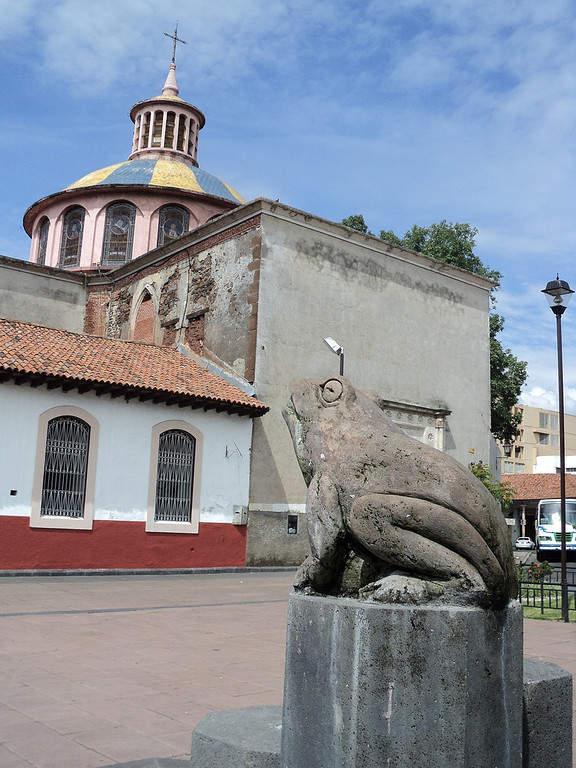 Escultura de la Ranita en Uruapan