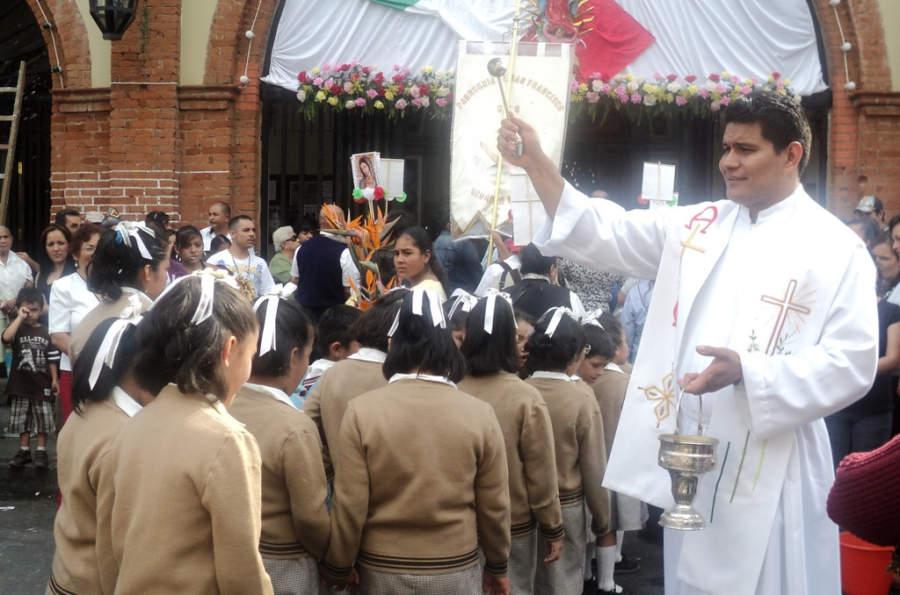 Peregrinación católica en Uruapan