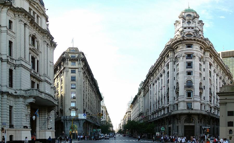 Av Roque Saenz Peña o Diagonal Norte