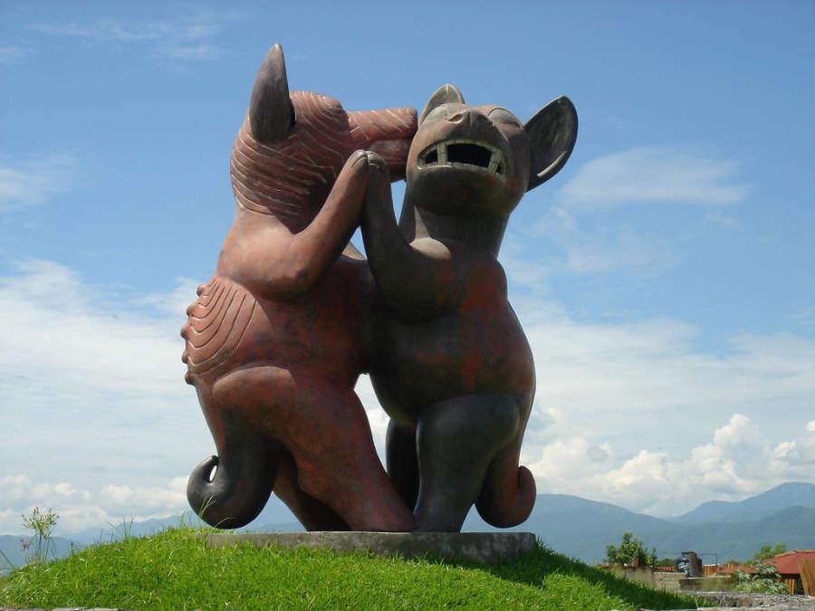 Monumento de Los Perros Danzantes de Colima