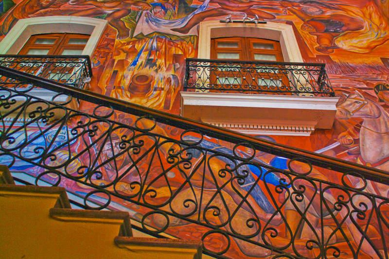 Mural en el interior del Palacio Municipal de Colima