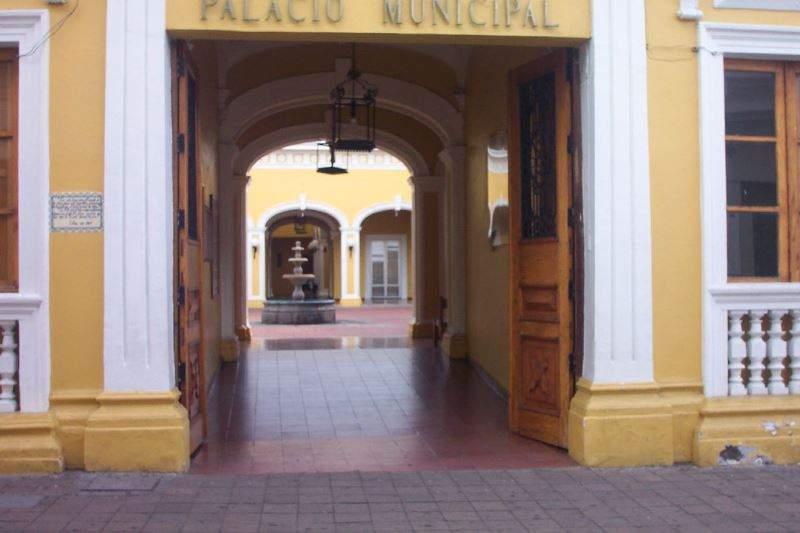 Entrada del Palacio Municipal de Colima