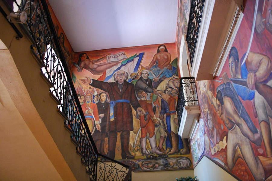 Mural del interior del Palacio de Gobierno en Colima