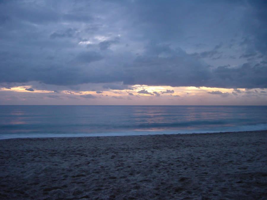 Atardecer en una playa de Alanya