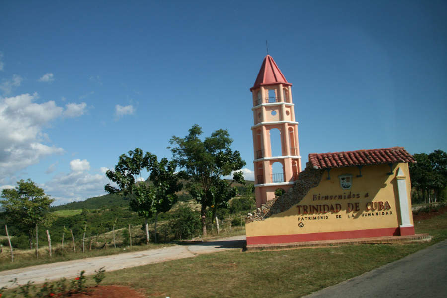 Letrero de bienvenida a Trinidad