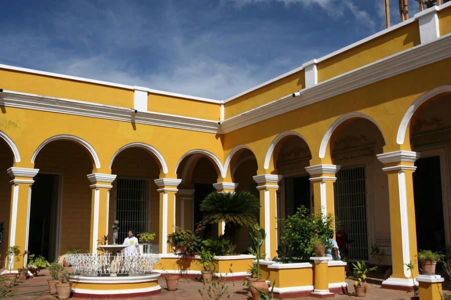 Patio del museo histórico municipal de Trinidad