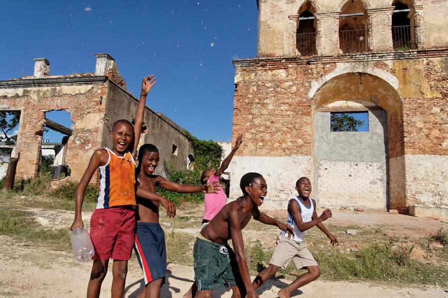 Niños jugando en Trinidad