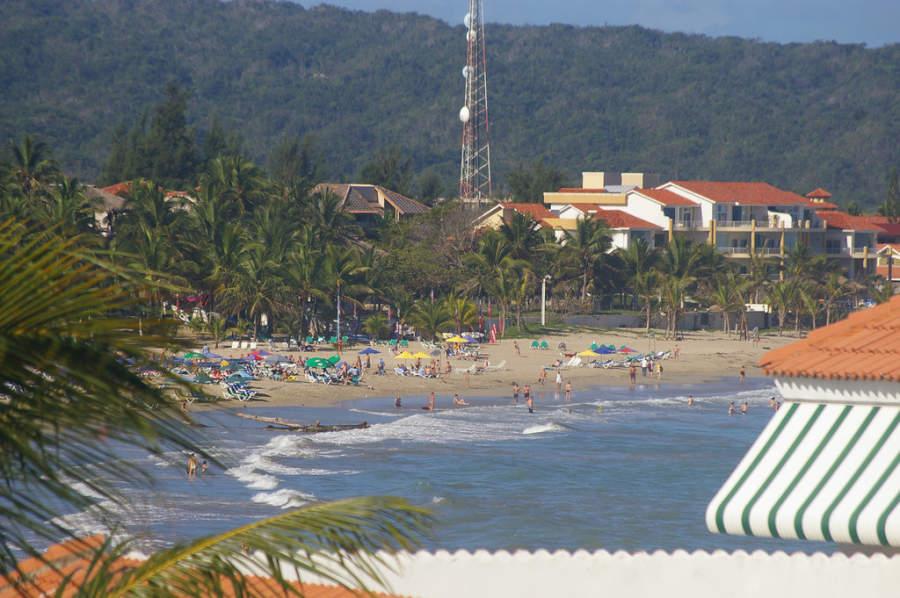 Algunas playas de Cabarete son famosas para practicar surf