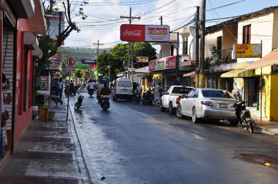 Avenida en Las Terrenas