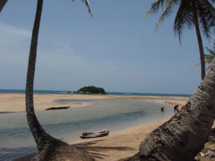 Alberca natural en el mar de Río San Juan