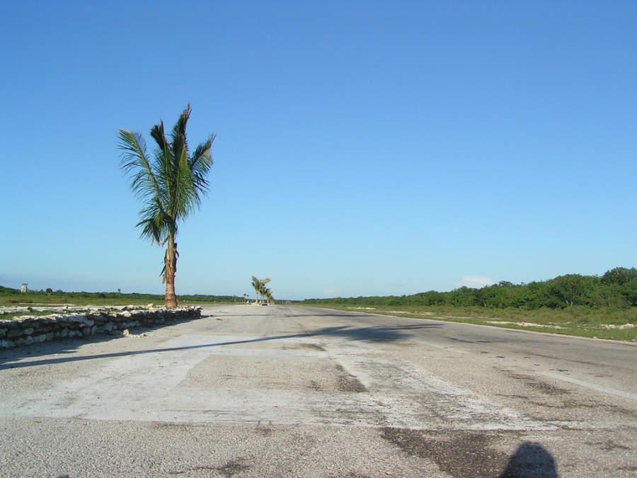 Pista de aterrizaje del Aeropuerto Internacional de Jardines del Rey