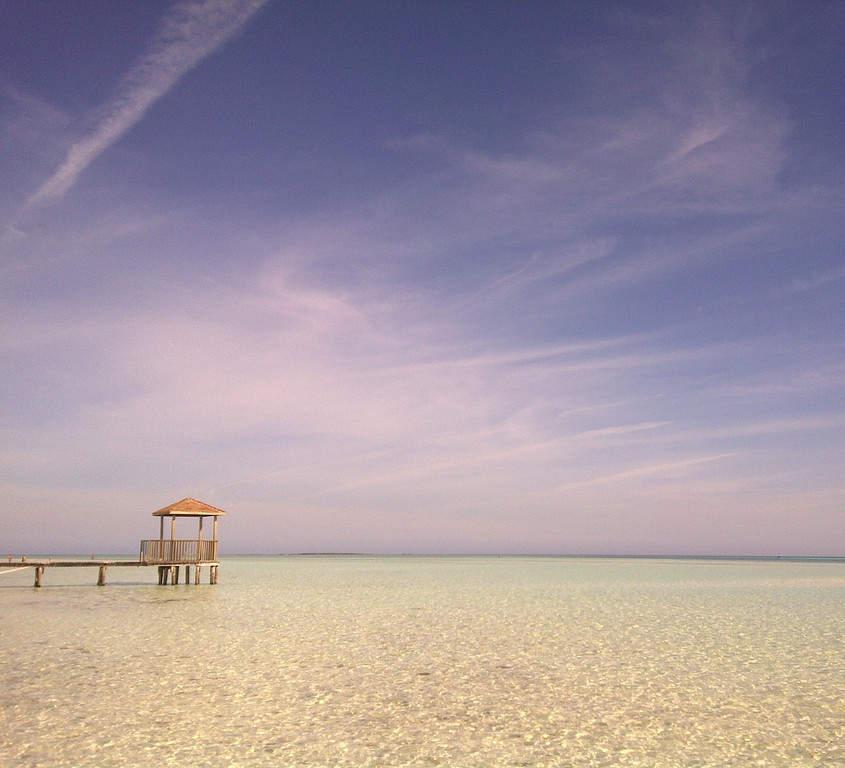 Muelle en una playa de Cayo Coco