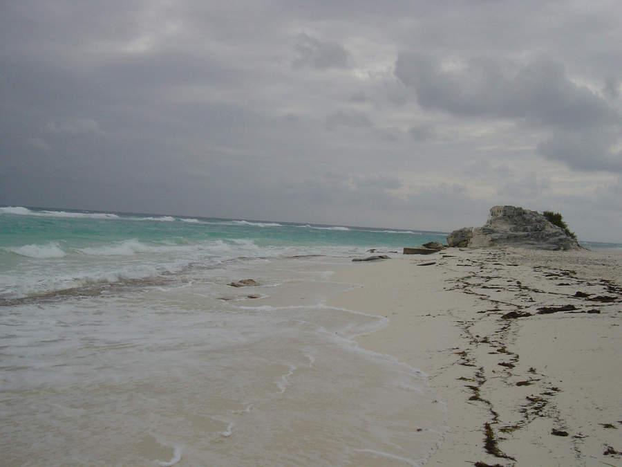 Playa de arena blanca en Cayo Largo
