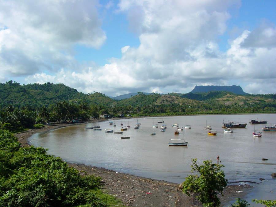 Botes en la bahía de Baracoa