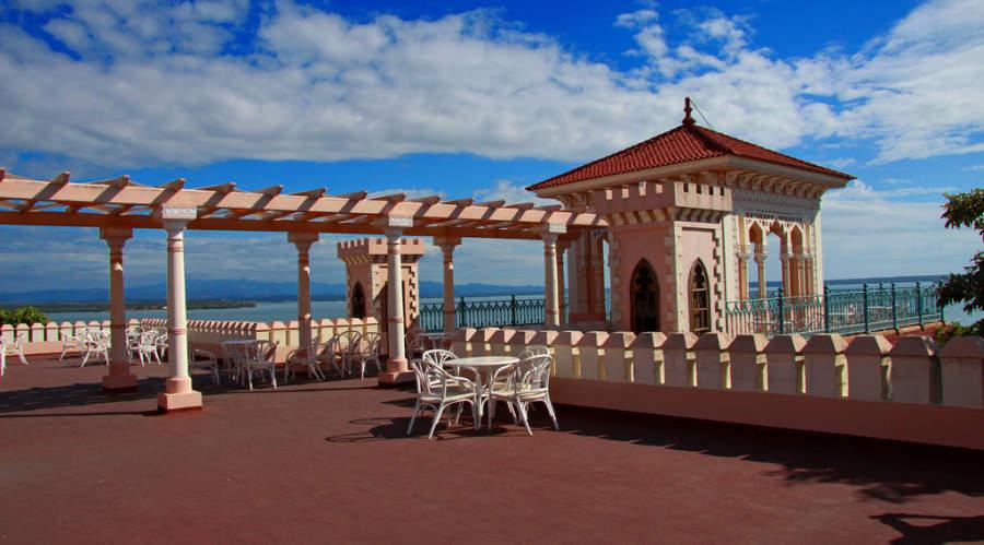 Terraza del Palacio de Valle